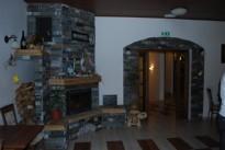 Kamin v dnevni sobi