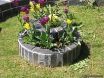 cvetlice in kamen kombinacija