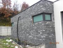 okno in kamen